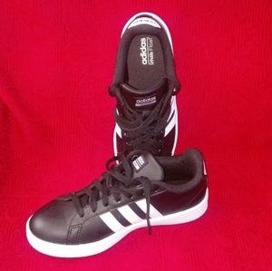 <Worn once>Adidas Cloudfoam Advantage blk sneakers